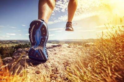 man-runs-with-no-ankle-pain-after-osteopathy-treatment